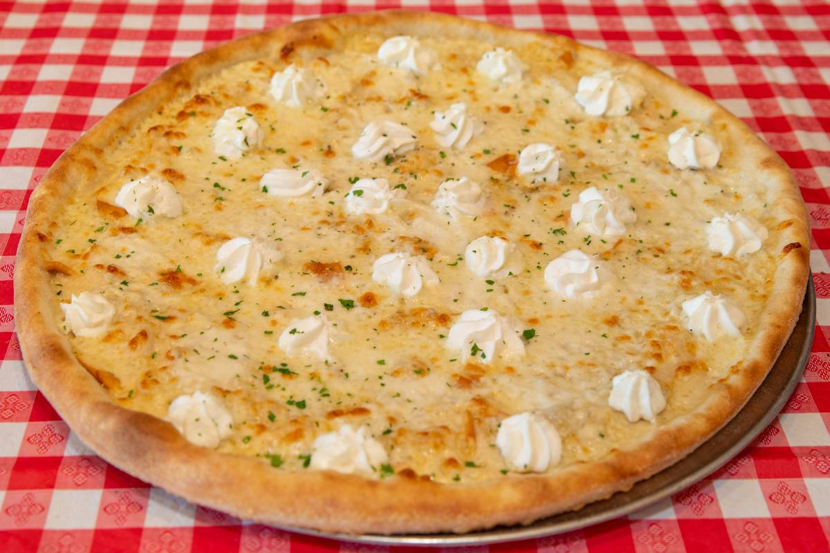Cousins New York Pizza & Pasta, 9773 W. Flamingo Road, is now open for dine-in service. (Cousins)