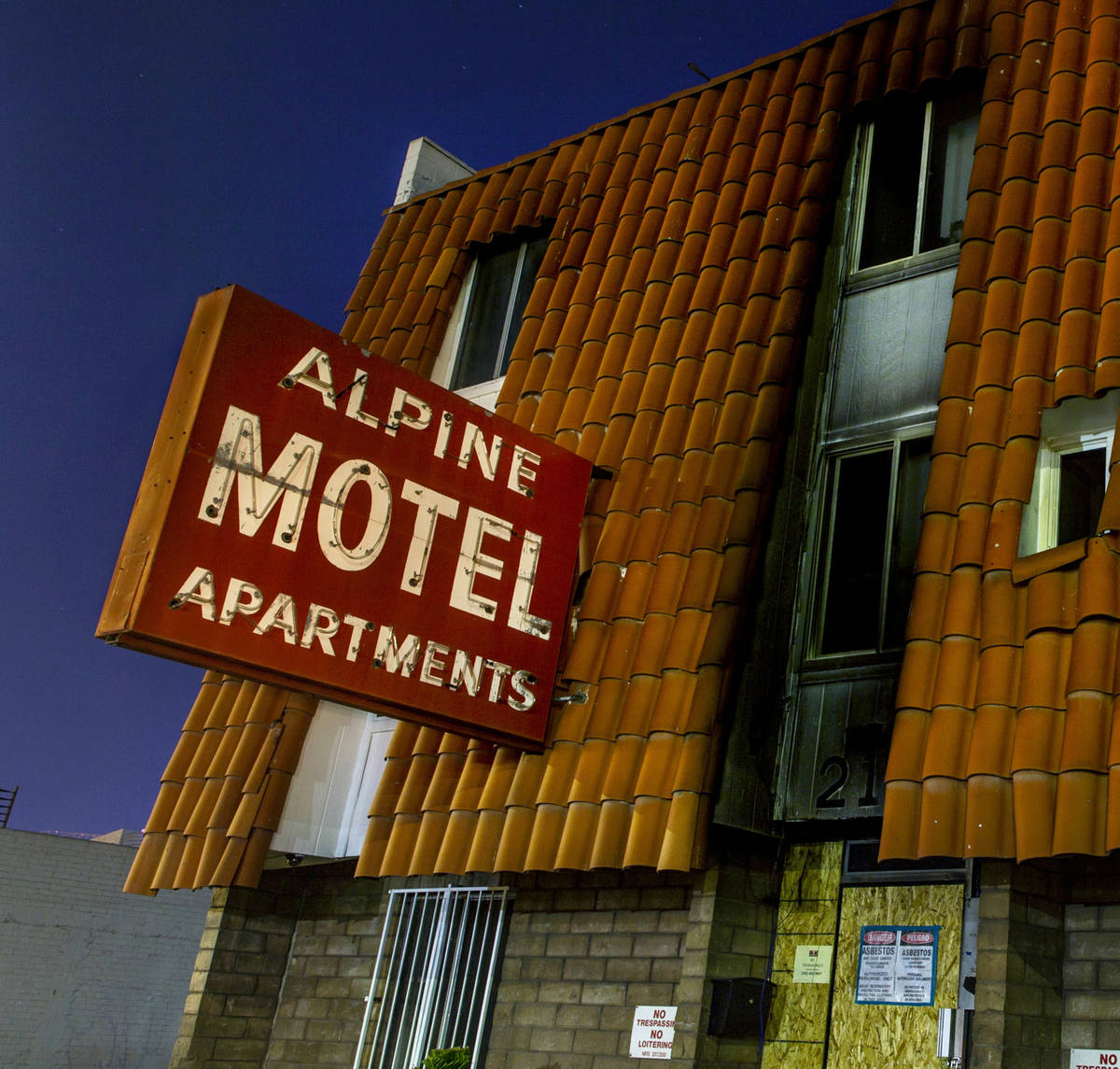Exterior at night of the Alpine Motel Apartments on Sunday, Feb. 23, 2020, in Las Vegas. (L.E. ...