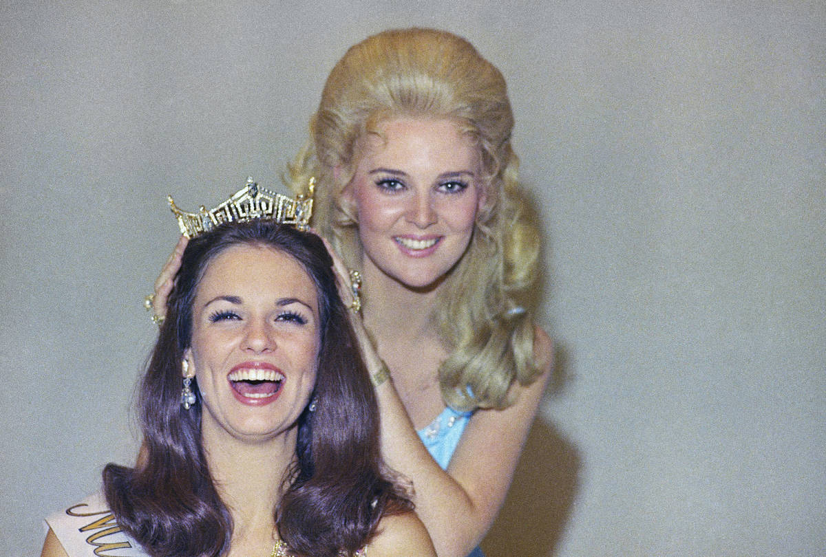 Phyllis George, the former Miss Texas won the national title of Miss America in Atlantic City o ...