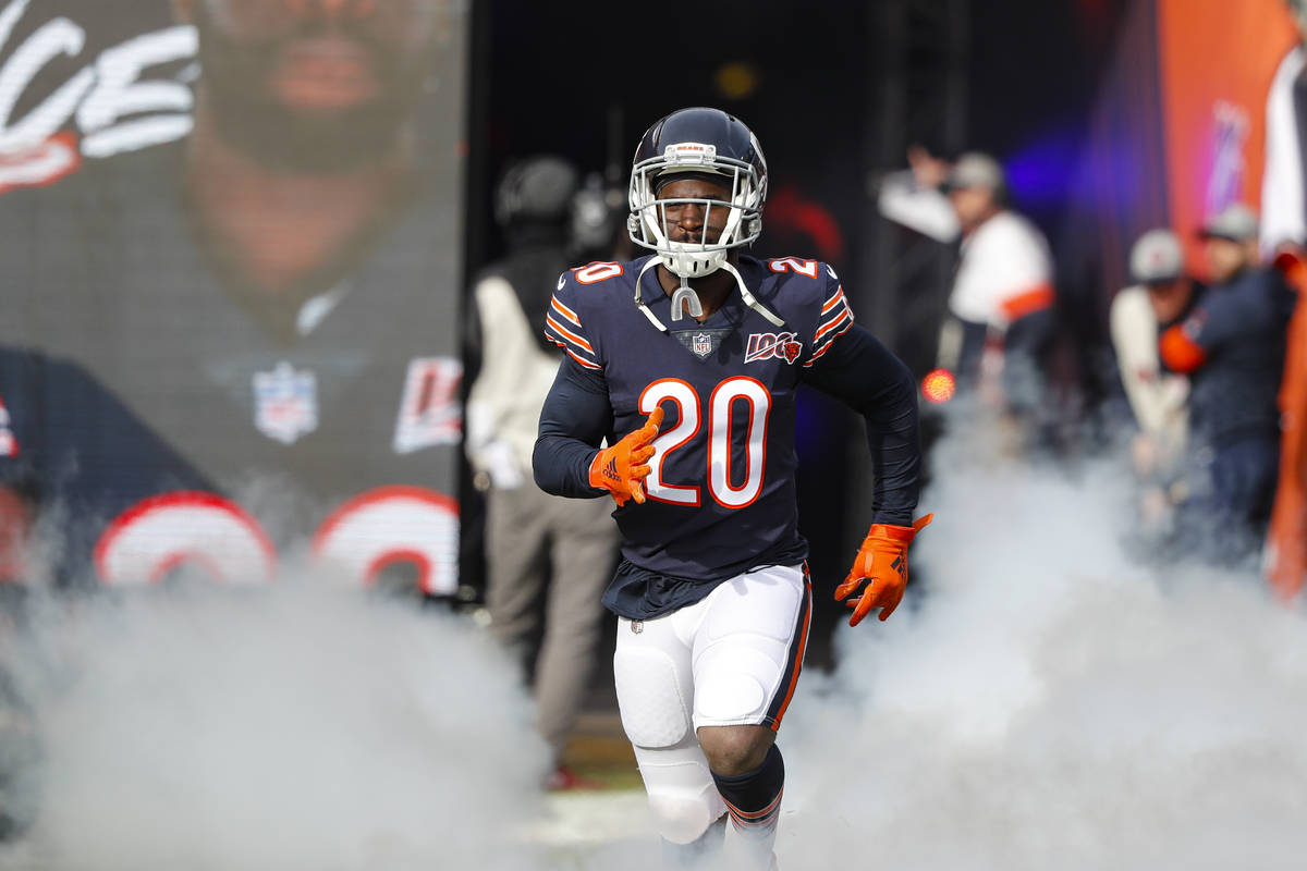 Chicago Bears cornerback Prince Amukamara (20) takes the field an NFL football game against the ...