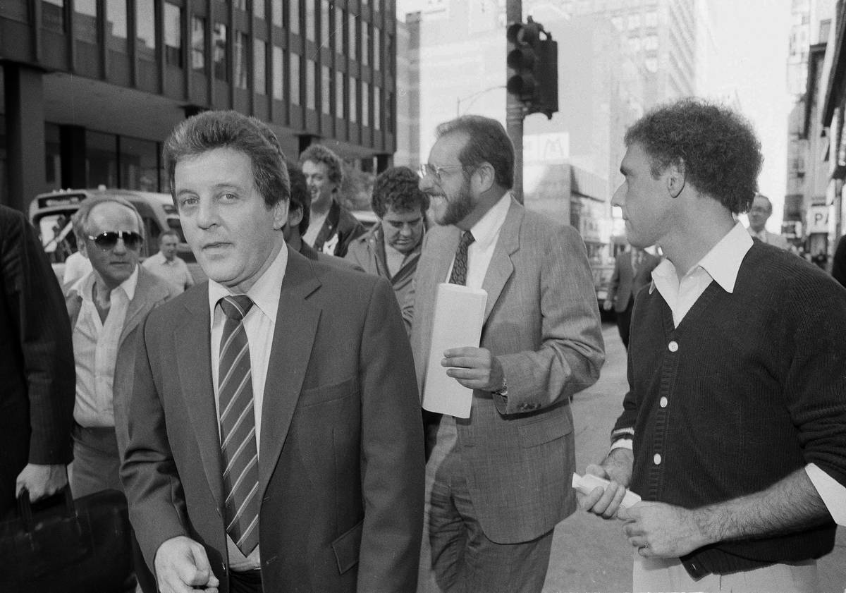 Anthony Spilotro leaves federal court in Chicago on Sept. 14, 1983. (AP Photo/Lisa Genesen)