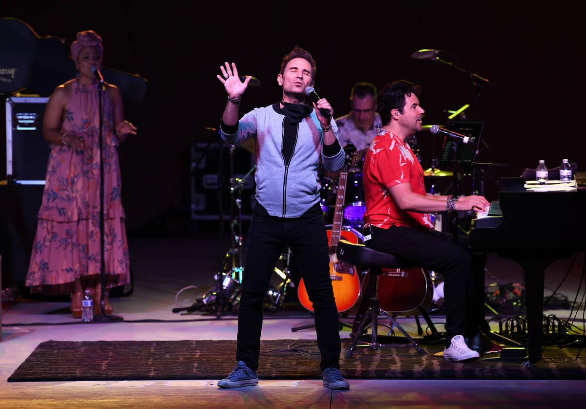 """Ex-""""Jersey Boys"""" co-star Travis Cloer joins Frankie Moreno onstage at The Amp at Craig Ranch R ..."""