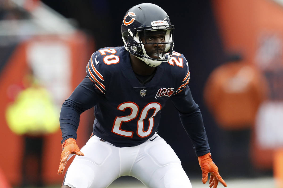 Chicago Bears cornerback Prince Amukamara plays against the Detroit Lions during the first half ...