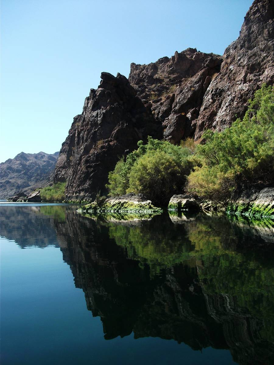 Boating in Black Canyon is a smooth-water experience with no rapids. (Deborah Wall/Las Vegas Re ...