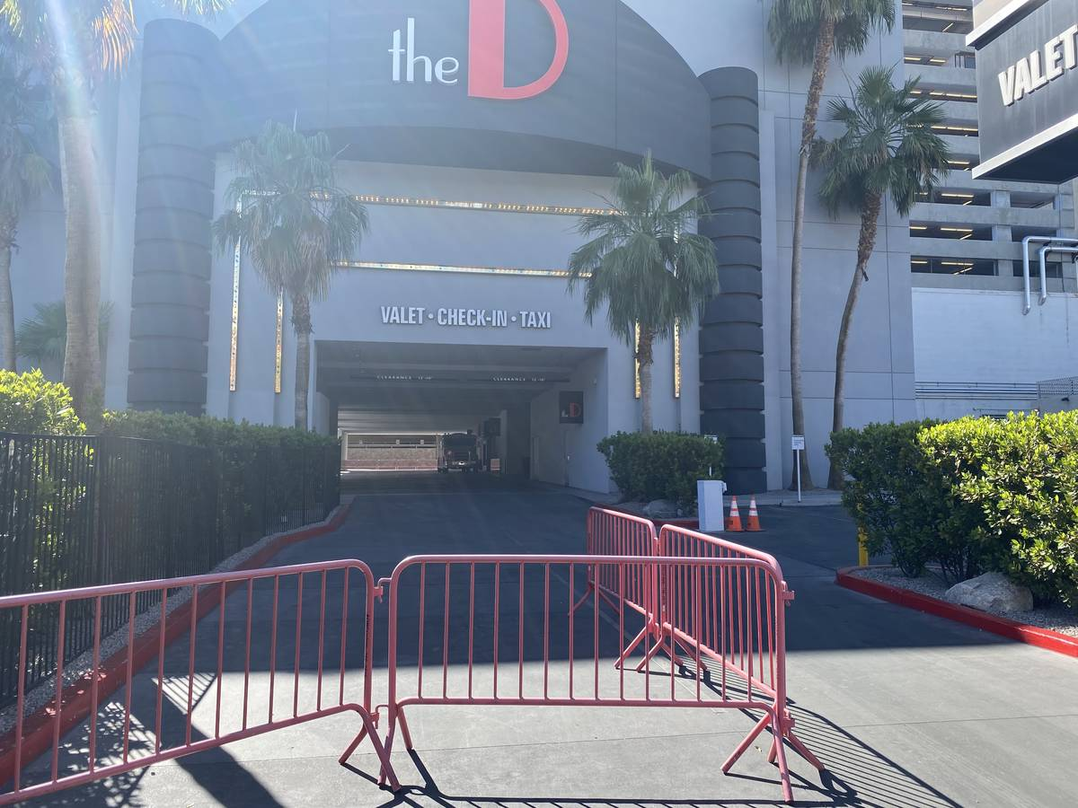 A look at the valet entrance of D Las Vegas, temporarily closed for COVID-19, on Tuesday, May 2 ...