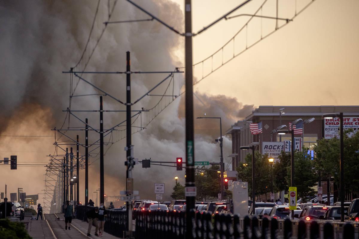 https://www.reviewjournal.com/wp-content/uploads/2020/05/13798417_web1_Minneapolis-Police-Death-9.jpg