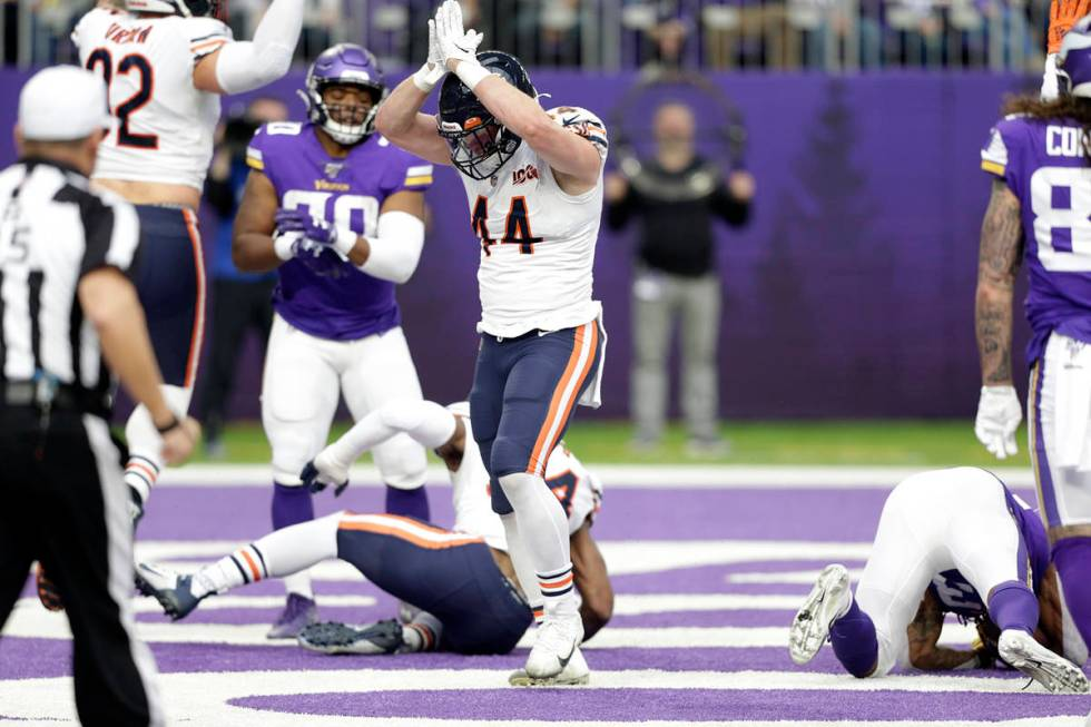 Chicago Bears inside linebacker Nick Kwiatkoski celebrates after a safety during the first half ...