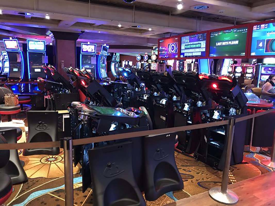 Out of commission machines on the casino floor at the Treasure Island. (Blake Apgar/Las Vegas R ...