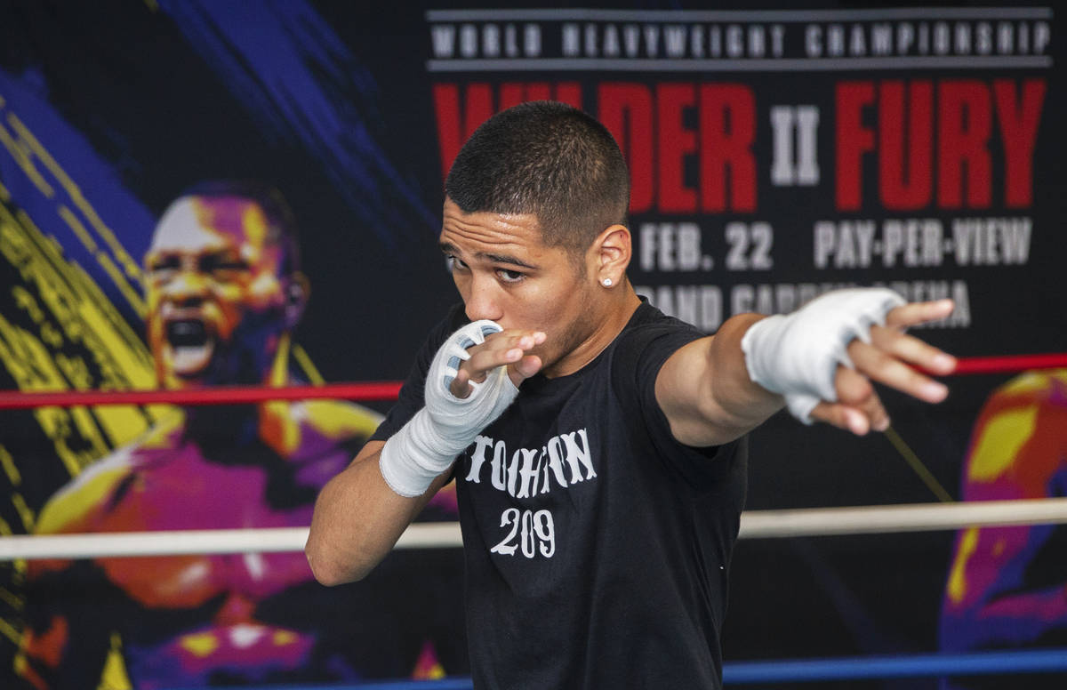 Gabe Flores Jr. works out at Capetillo & TM Boxing on Saturday, June 13, 2020, in Las Vegas ...