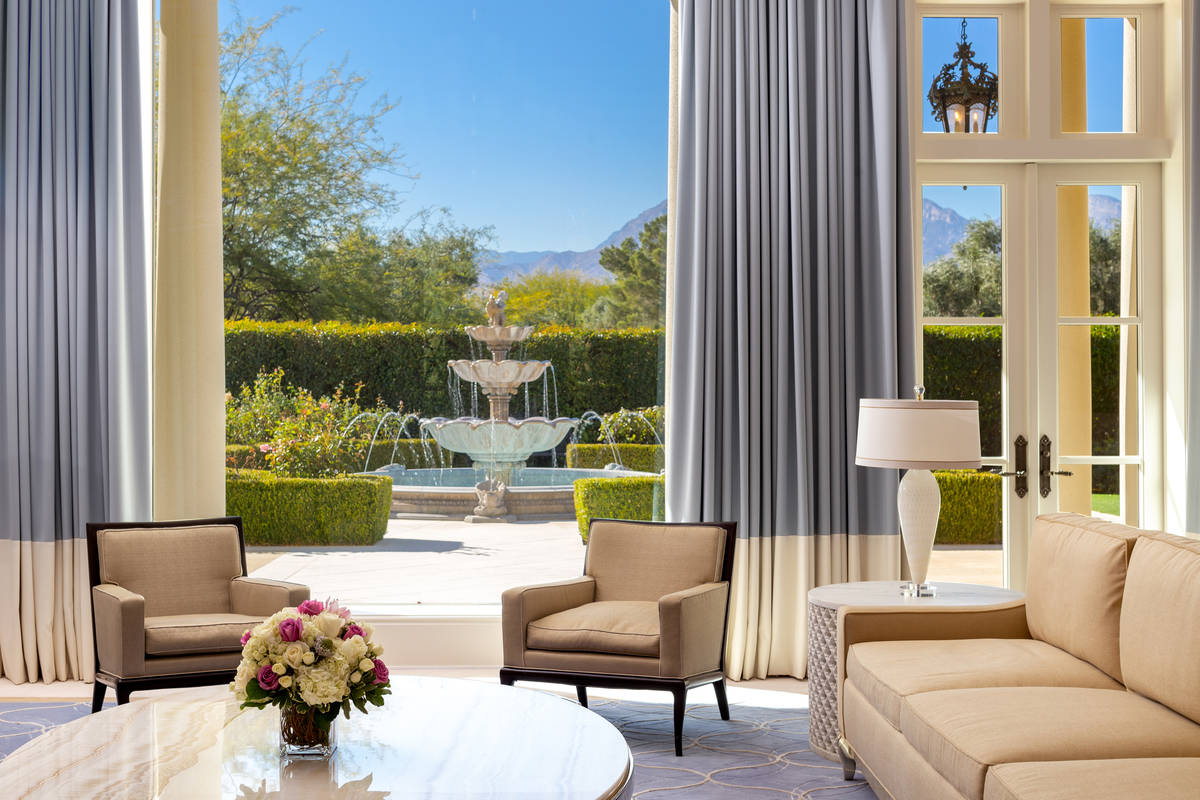 Steve Wynn's mansion at 1717 Enclave Court in Summerlin is listed for $25 million. (Ivan Sher G ...
