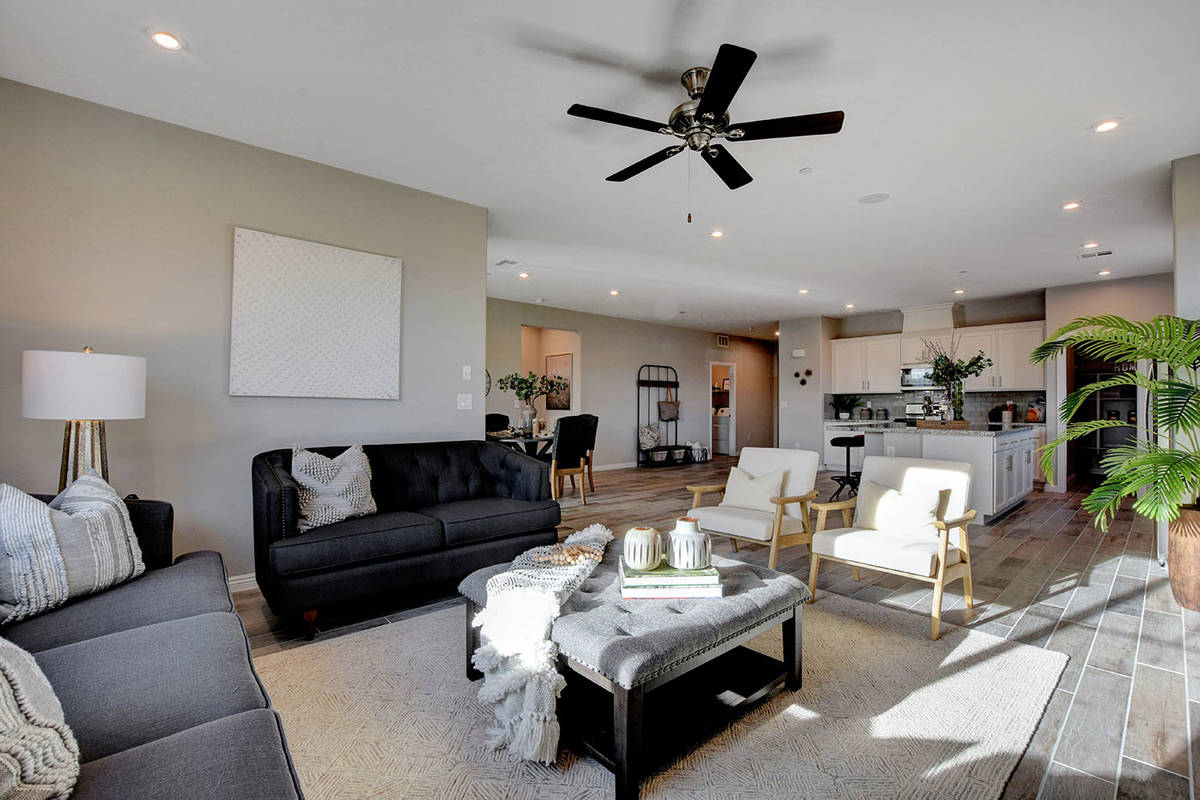 Tierra Vista's Dawson floor plan offers a one story design and measures 2,100 square feet and ...