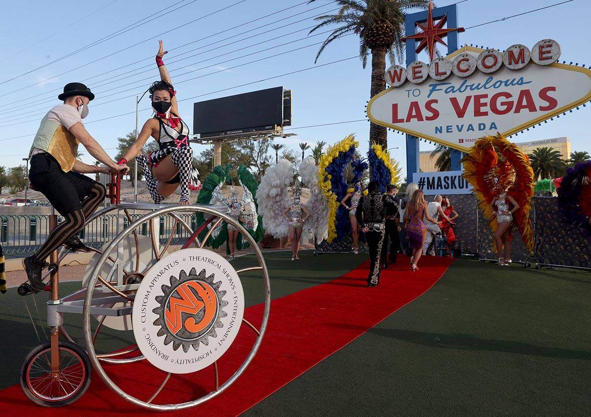 """Cirque Mechanics Trike Rover """"walks"""" the red carpet at the Welcome to Fabulous Las Ve ..."""