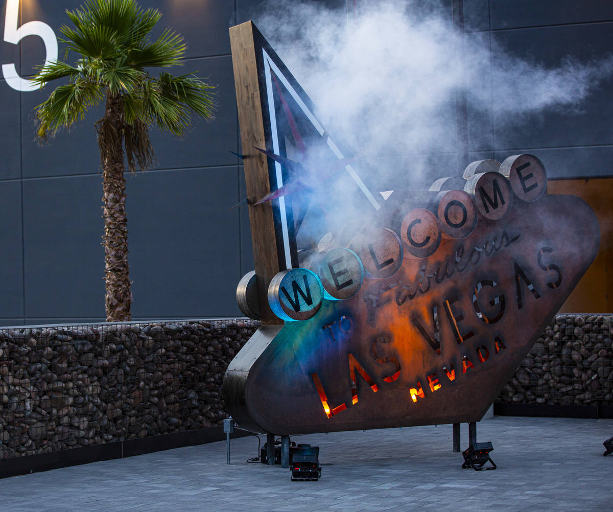 "A post-apocalyptic interpretation of the ""Welcome to Fabulous Las VegasÓ sign by Toma ..."