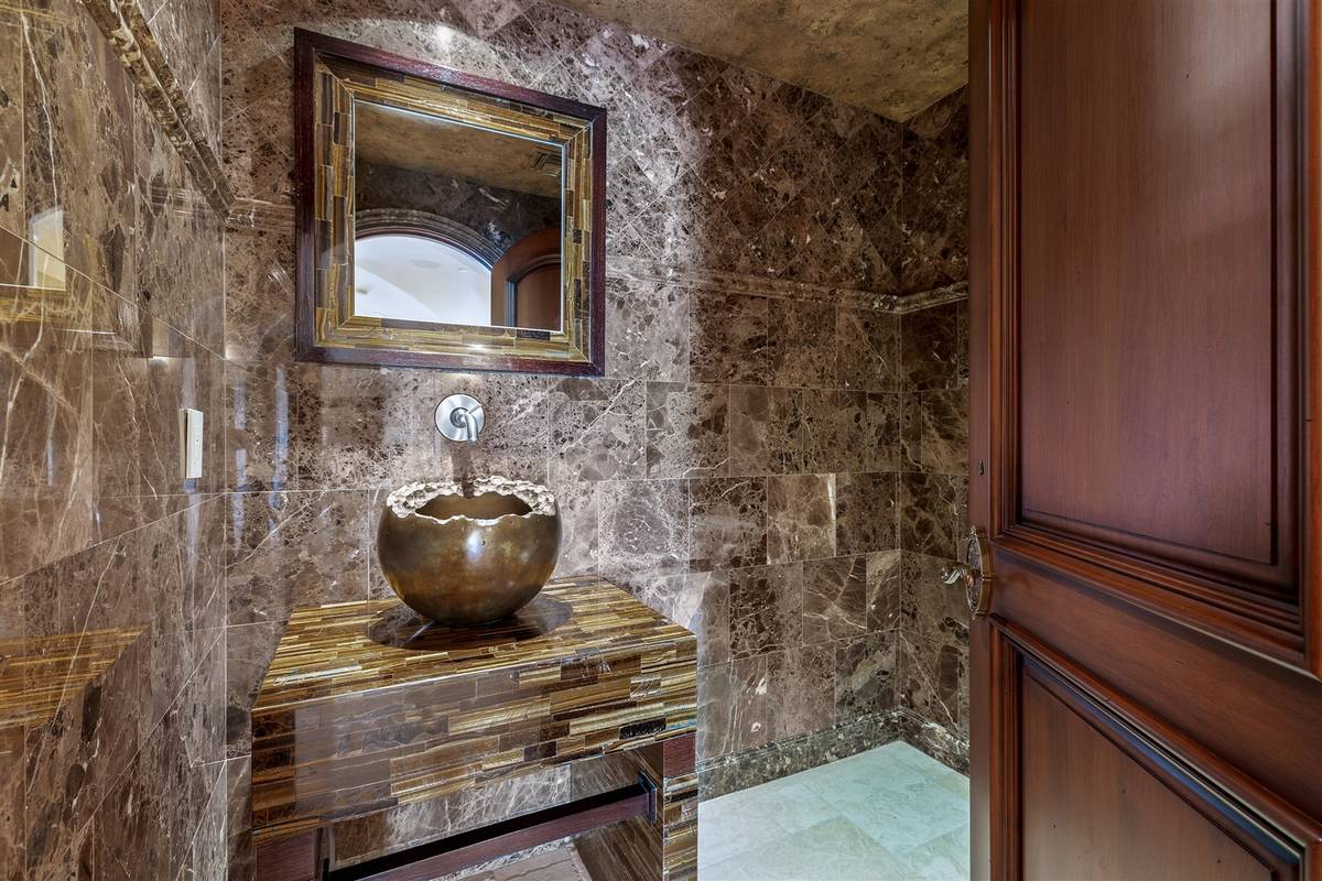 One of the 11 baths. (Luxurious Real Estate)