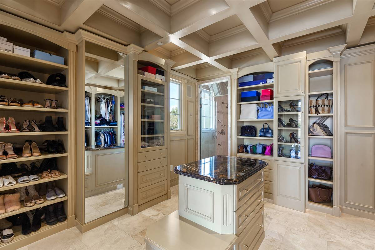 Her closet. (Luxurious Real Estate)