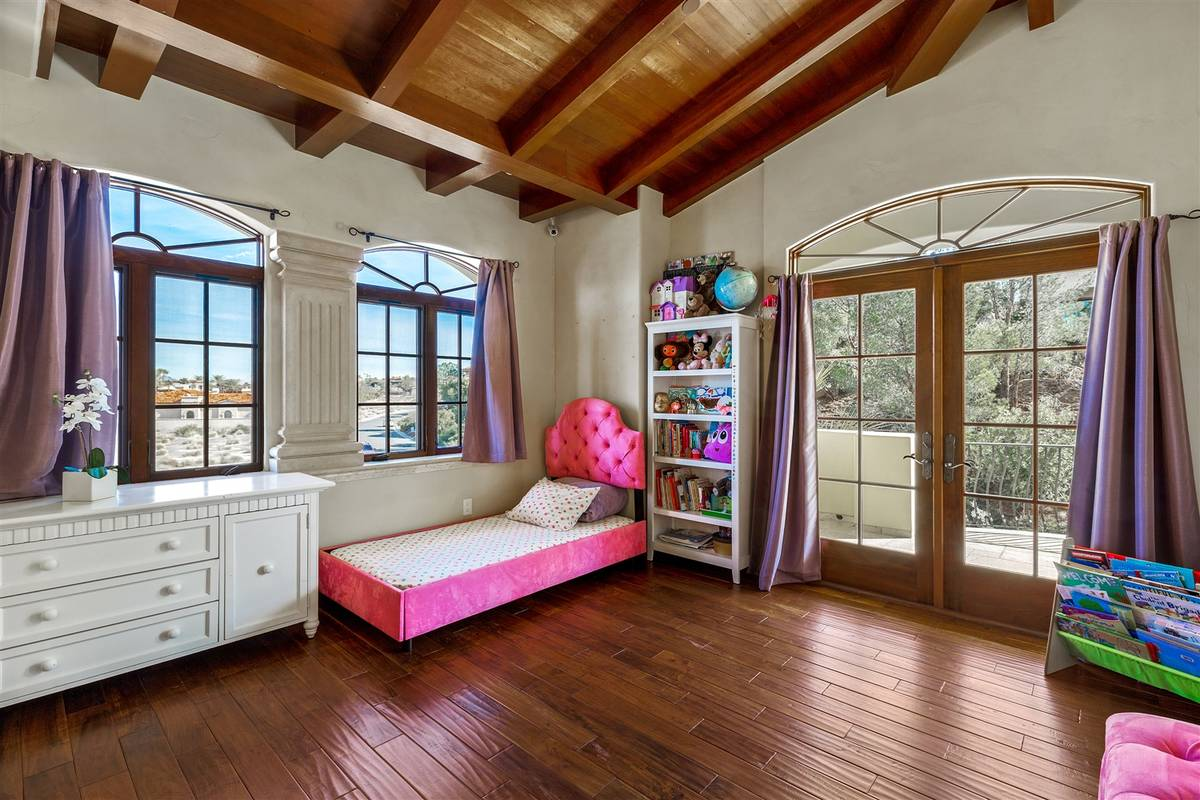 One of five bedrooms. (Luxurious Real Estate)