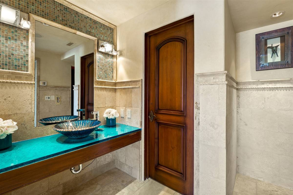 One of 11 baths. (Luxurious Real Estate)