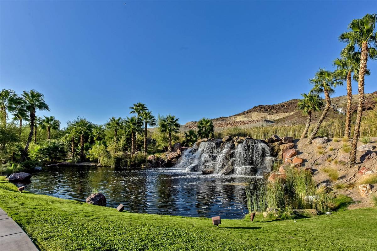 Lake Las Vegas entrance. (Luxurious Real Estate)