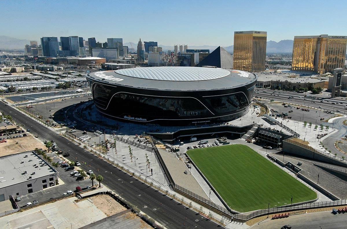 Allegiant Stadium builder facing OSHA fine | Las Vegas Review-Journal