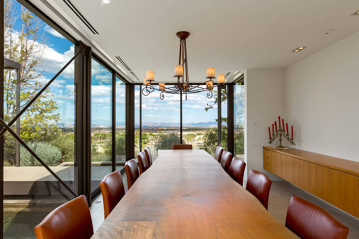 The dining room. (Ivan Sher Group)
