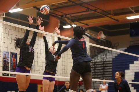 High school volleyball match on Thursday, Nov. 1, 2018. Caroline Brehman/Las Vegas Review-Journal
