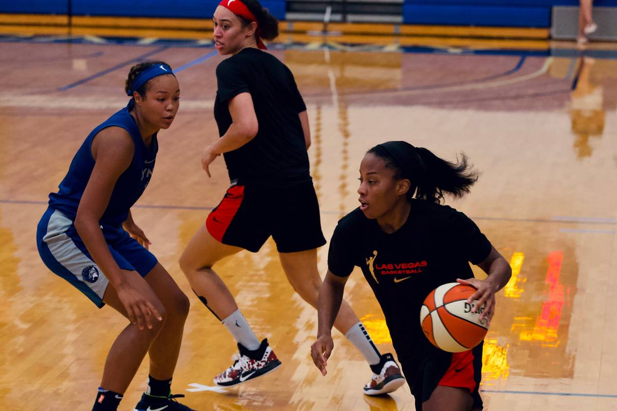 Aces guard Lindsay Allen drives in practice against the Minnesota Lynx at IMG Academy in Braden ...