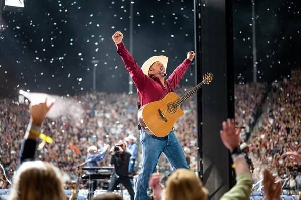 Garth Brooks has a long history of live performances in Las Vegas. (8 Ten, Inc.)