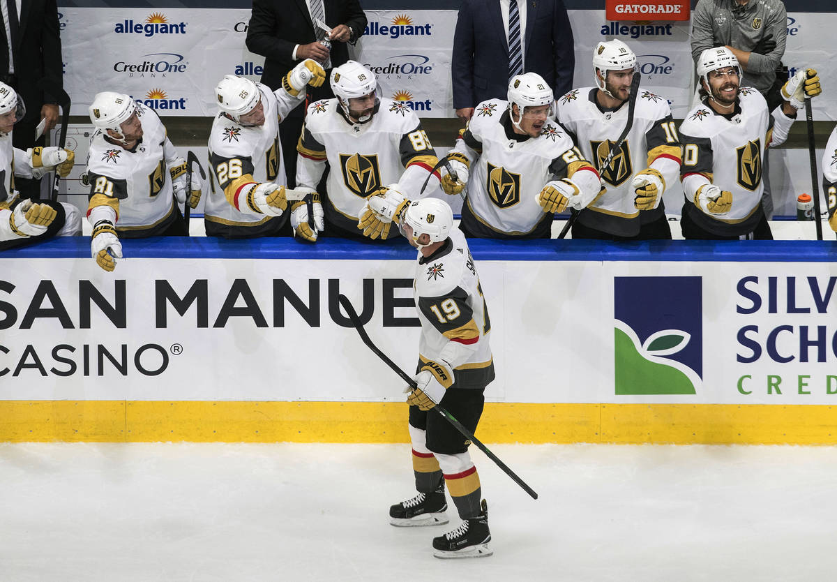Vegas Golden Knights' Reilly Smith (19) celebrates a goal against the Arizona Coyotes during th ...