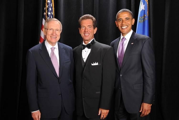 Bellagio pianist David Osborne, center, poses with President Barack Obama and Sen. Harry Reid. ...