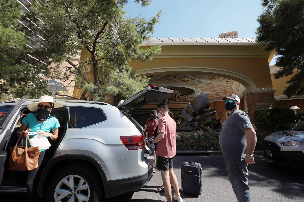 Guests arrive at the Wynn Las Vegas on the Las Vegas Strip on Thursday, Aug. 6, 2020, in Las Ve ...