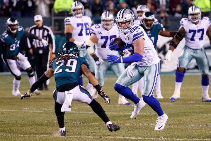 Dallas Cowboys tight end Jason Witten (82) in action against Philadelphia Eagles cornerback Avo ...