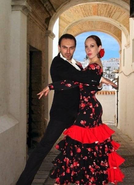 Artor Nazzari and his wife Carissa Hernandez had their own flamenco dance company in Las Vegas. ...