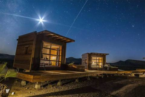 A secluded house in Ridgecrest, California. (Chet Steele/Airbnb)