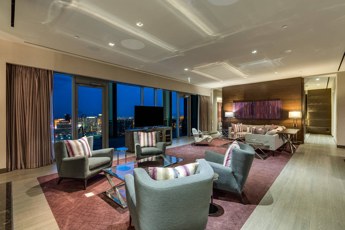 This 3,300-square-foot Palms Place penthouse has been privately listed for $2.5 million. (Luxur ...