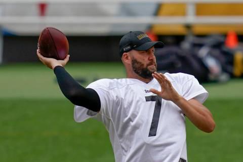 Pittsburgh Steelers quarterback Ben Roethlisberger (7) during an NFL football training camp pra ...