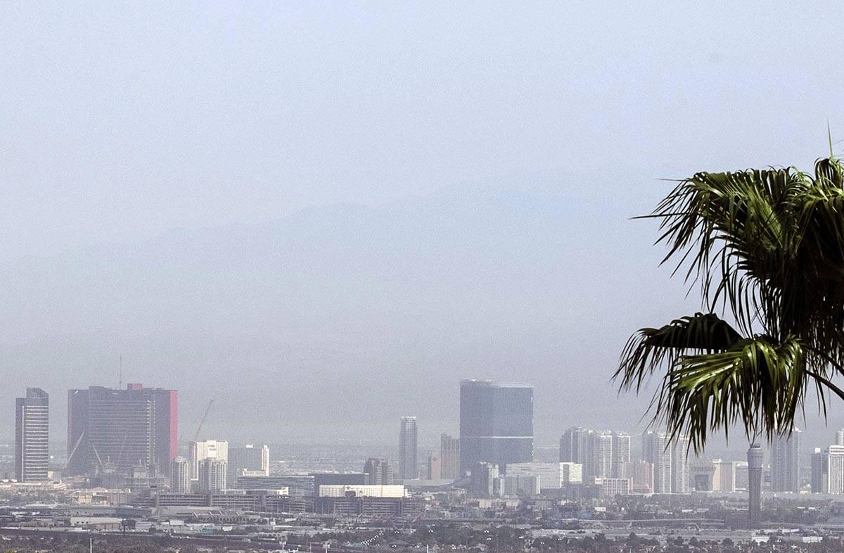 Las Vegas Weather Above Average Temperatures With Some Haze Las Vegas Review Journal