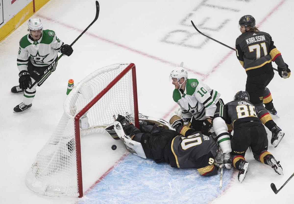 Dallas Stars' Joel Kiviranta (25) scores a goal against Vegas Golden Knights goalie Robin Lehne ...