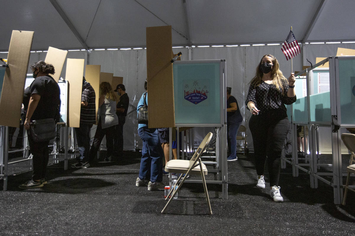 The Boulevard Mall early voting location is full of voters on Oct. 17, 2020, in Las Vegas. (Ell ...