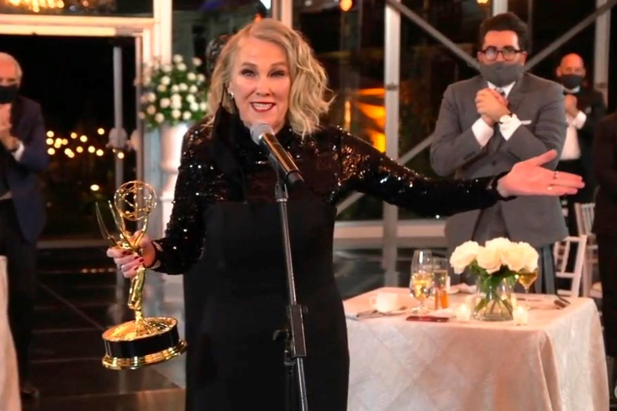 """Catherine O'Hara accepts the award for outstanding lead actress in a comedy series for """"Schitt' ..."""