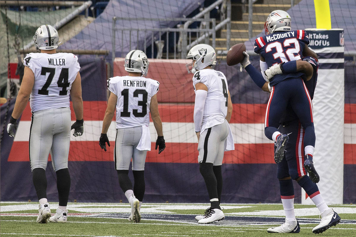 New England Patriots free safety Devin McCourty (32) celebrates with New England Patriots defen ...