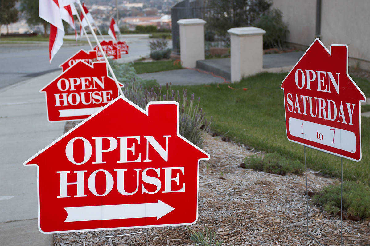 14285544_web1_web-open-house-GettyImages-139702008-1.jpg