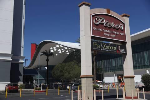 Piero's Italian Cuisine in Las Vegas reopens today after having been shut down since March. (Er ...