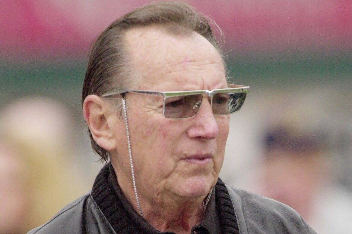 ** FILE ** Oakland Raiders owner Al Davis watches his team before their AFC divisional playoff ...