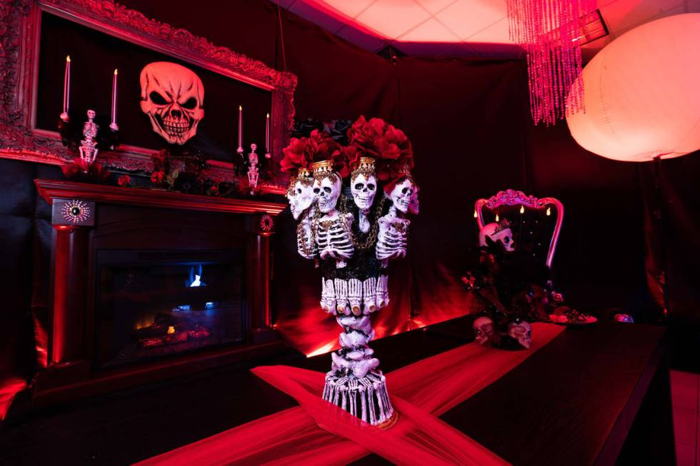 Trick or Chic walk-through experience features skeleton models. (Fashion Show mall)