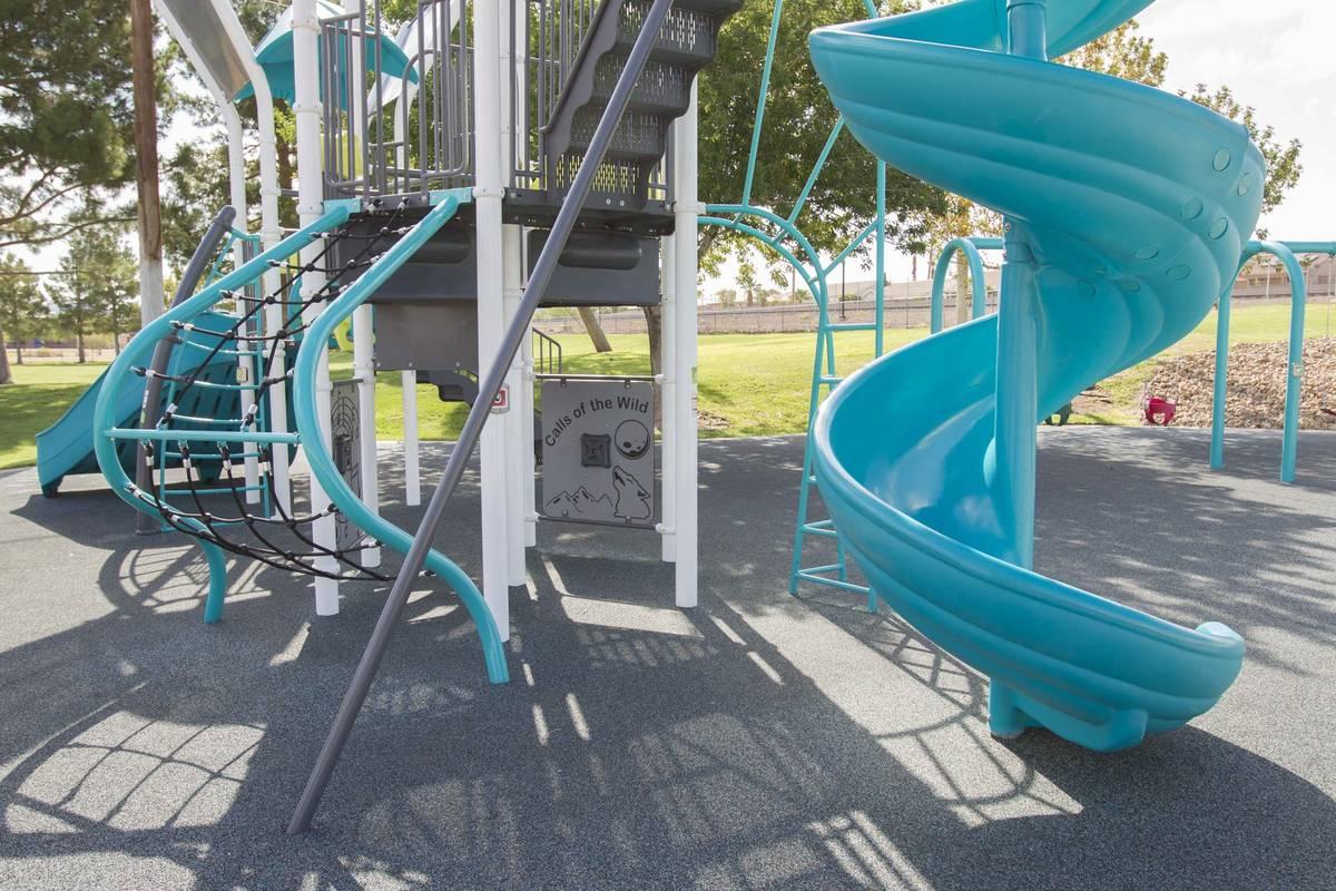 14345710_web1_playground.jpg