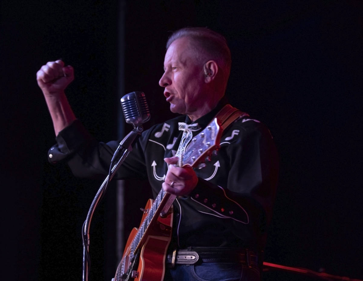The Reverend Horton Heat's Jim Heath preforms at the Fremont Country Club on Thursday, Oct. 22, ...