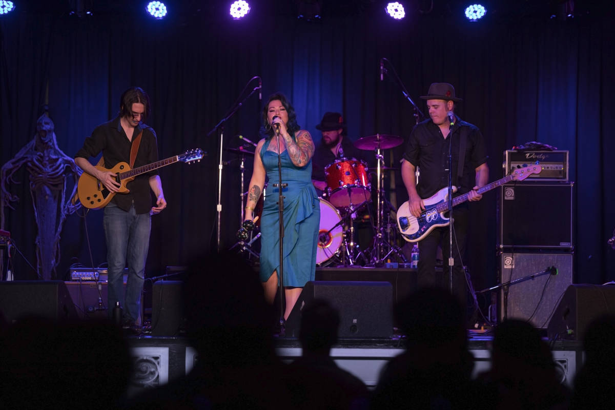 Shanda & the Howlers preform as live music returns at the Fremont Country Club on Thursday, ...