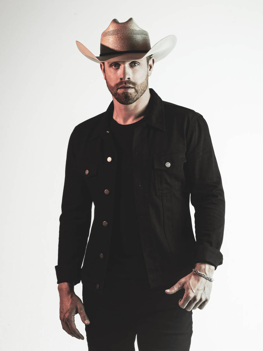 Country star Dustin Lynch comes to Vegas next summer .(Sweet Talk Publicity)