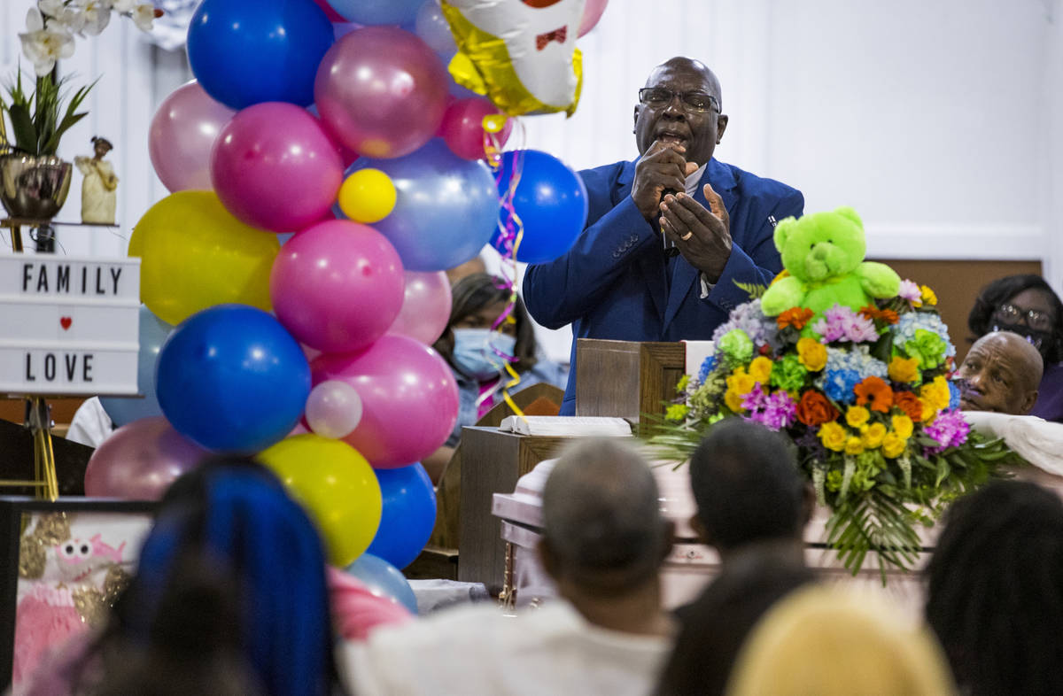 Pastor Ronnie Smith gives a passionate eulogy during the funeral service for Sayah Deal at the ...