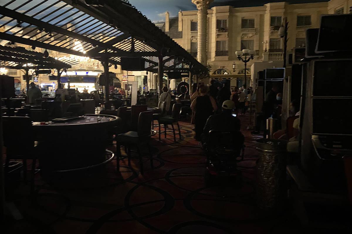 Guest sitting in Paris Las Vegas. (DJ ICONIK @vegaspiff Tiwtter)